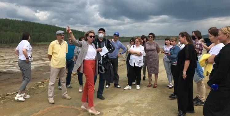 «Жизнь рядом с заводом» обсуждали в Карабаше слушатели Экологической школы для журналистов Южного Урала
