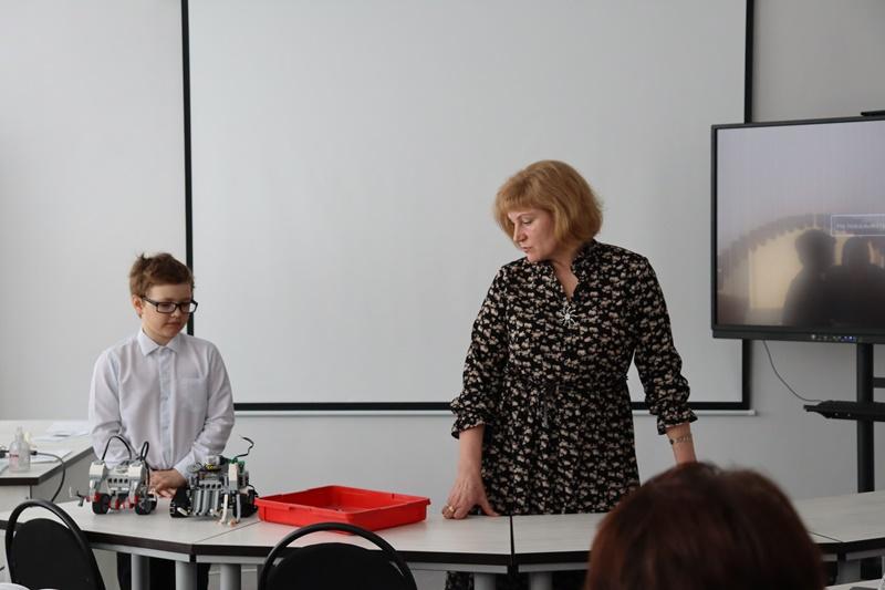 Ученики и педагоги приняли участие в форсайт - сессии