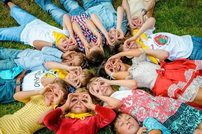 Дети отдохнут в школьных лагерях