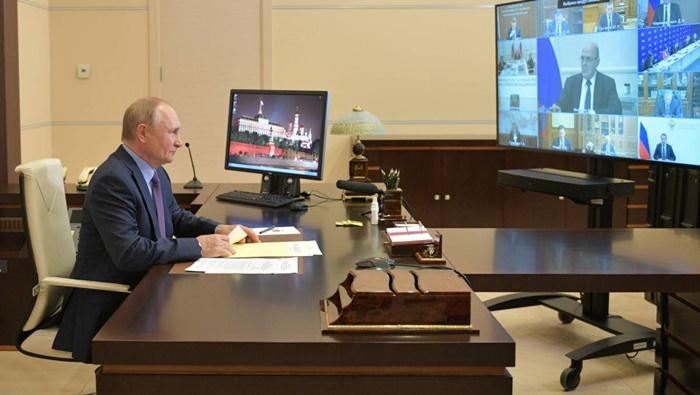 Владимир Путин: Многие решения по развитию страны и укреплению социальной сферы были инициированы «Единой Россией»