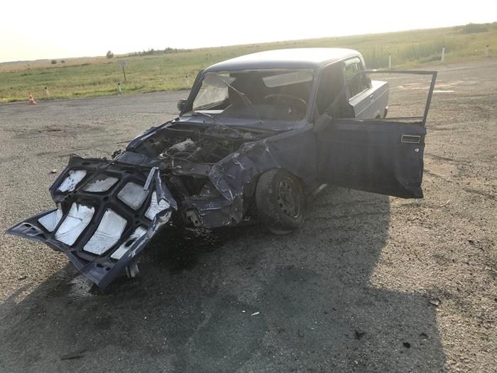 В ДТП серьезно пострадал 42-летний водитель легковушки